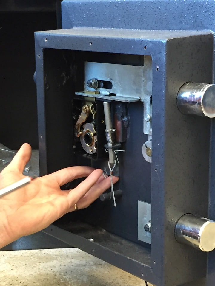 image of a safe lock being repaired